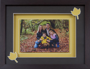 Mothers Day Gift - Sweet family picture with autum leave cutouts
